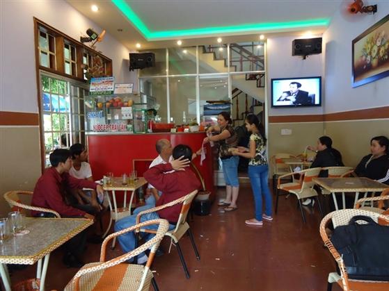 quan-cafe-binh-dan
