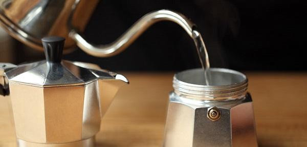 cách cafe bằng moka pot