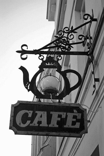 trang trí quán cá phê